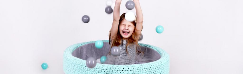 Suchy basen z piłeczkami BabyBall – co musisz wiedzieć przed zakupem?