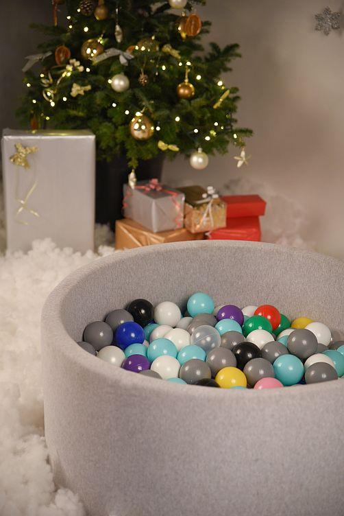 Suchy basen z kulkami – doskonały prezent pod choinkę