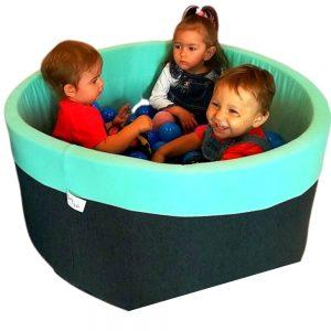 suchy basen z kulkami babyball
